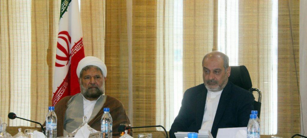 امام جمعه شهرستان قشم با مدیرعامل سازمان منطقه آزاد قشم دیدار کرد