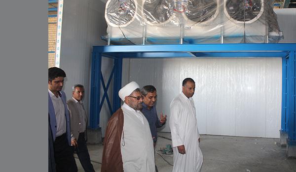 بازدید امام جمعه قشم از واحدهای تولیدی خرد و کلان
