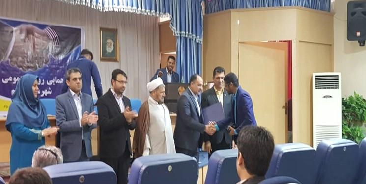 مدیر روابط عمومی نهاد امامت جمعه قشم جوان برتر حوزه رسانه شد