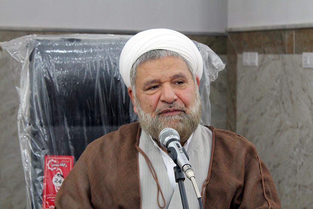اهانت به مقدسات و عقاید مذاهب اسلامی بازی در زمین دشمن است