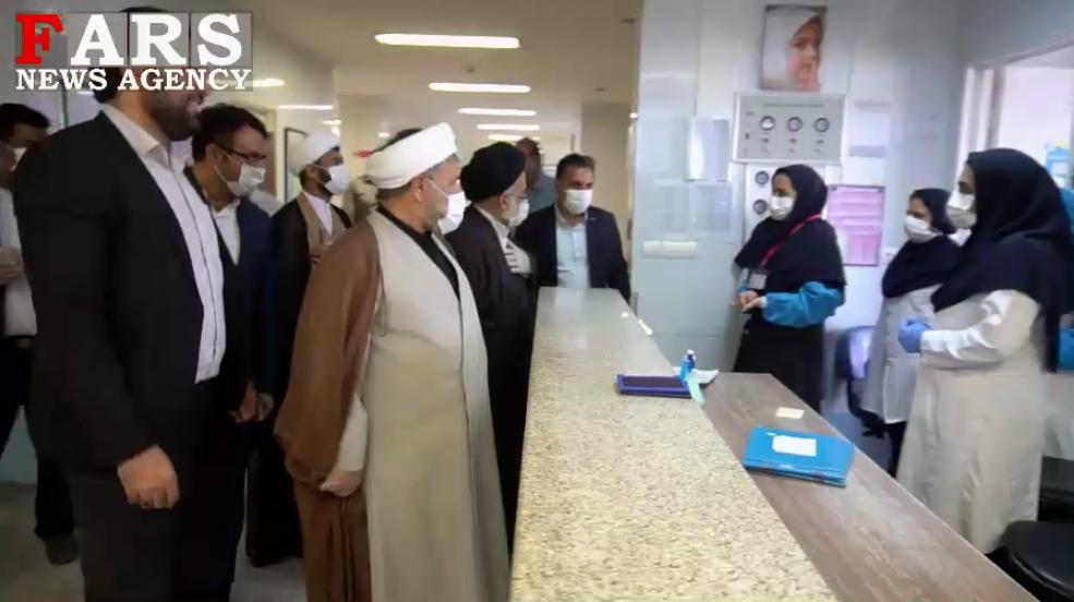 فیلم| بازدید امام جمعه قشم از بخش کووید-۱۹/ «نسیم مهر رضوی» در «قشم» وزیدن گرفت